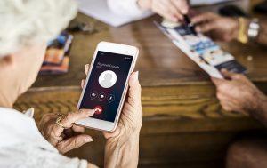 Telefoane pentru seniori – modele pentru varstnici