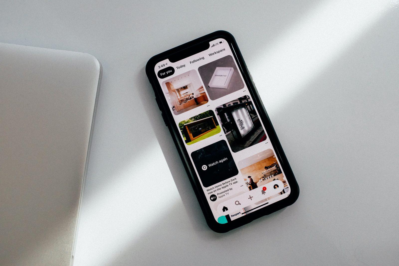 telefonul anului 2020