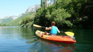 3 lacuri pe care te poți da cu caiacul în România
