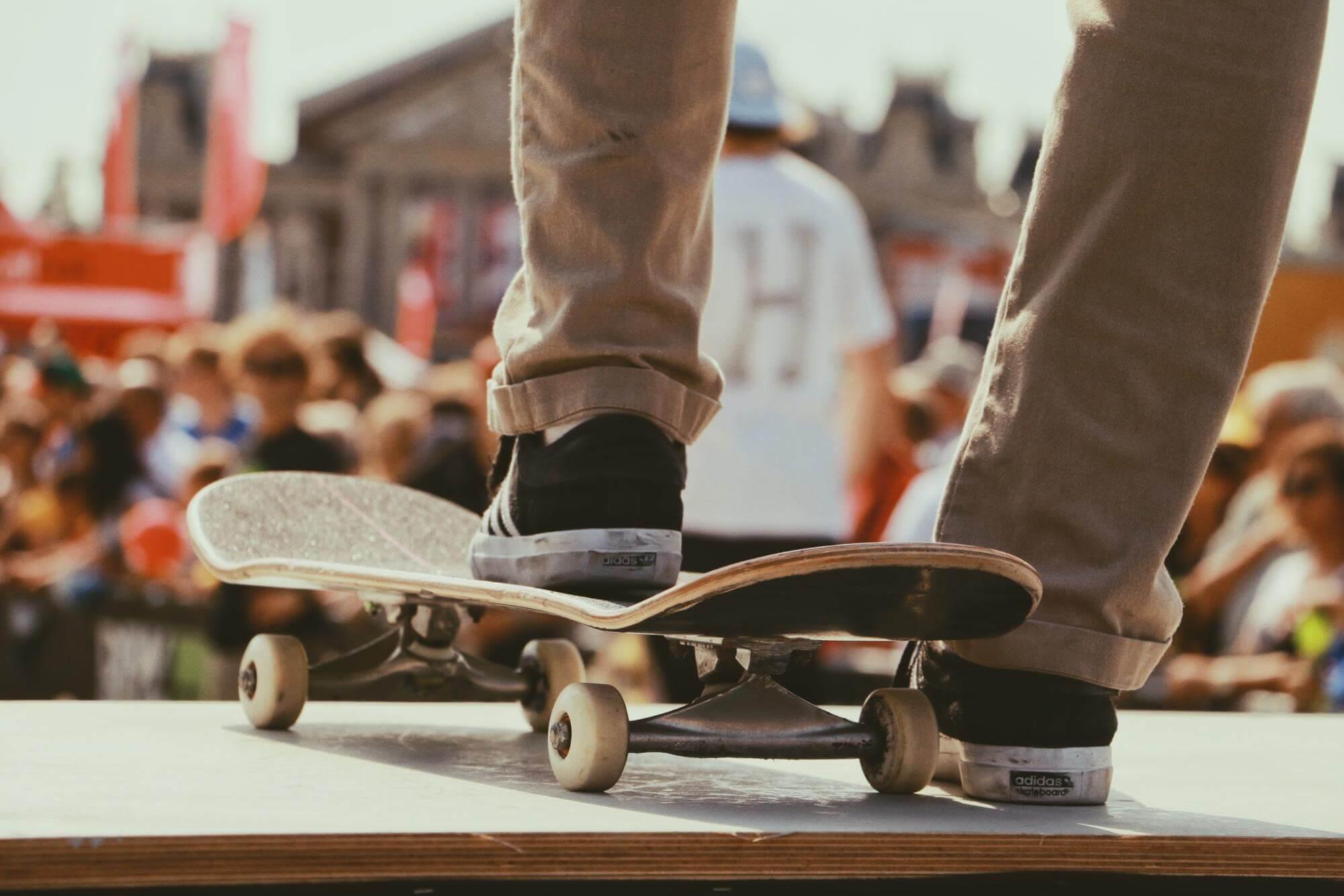cu skate-ul in parc